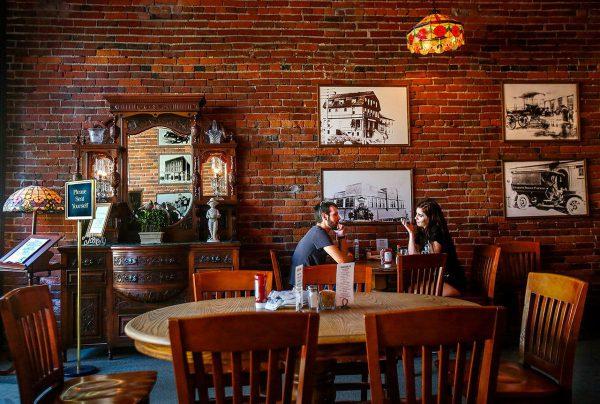 nội thất quán cafe đẹp phong cách vintage giá rẻ